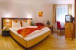 Bikerhotel Hotel Badhaus in Zell am See
