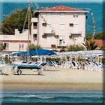 Hotel Residence Happy  in Marina di Pietrasanta - alle Details