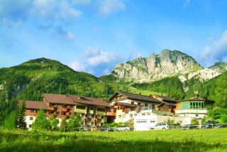 Motorrad Alpenhotel Plattner in Sonnenalpe Nassfeld  in