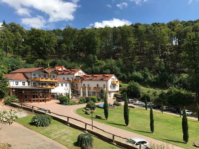 Biker Hotel Schloss Hotel Landstuhl in Landstuhl