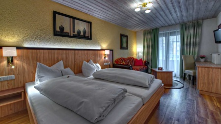 Familien K�NIGSHOF CITY GARNI - Henne Privat-Hotels in Oberstaufen