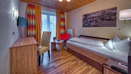 familienfreundliches K�NIGSHOF CITY GARNI - Henne Privat-Hotels in Oberstaufen