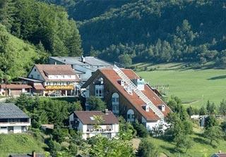 Biker Hotel Hotel Restaurant Höhenblick in Mühlhausen im Täle