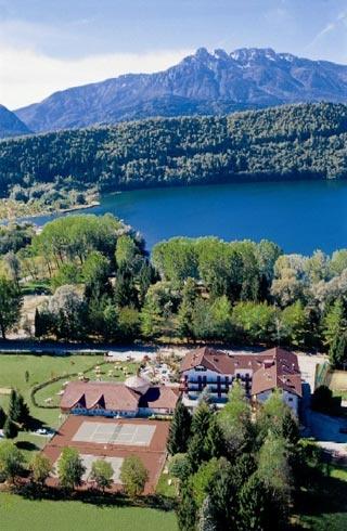 Biker Hotel Hotel al Sorriso Greenpark in Levico Terme