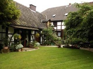 Biker Hotel Pension - Haus am Schneiderbrunnen in Lichtenhagen