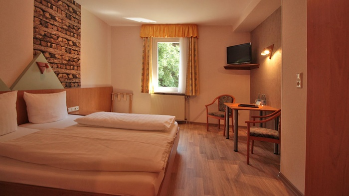Flughafen Hotel Moselromantik-Hotel Dampfmühle in Enkirch / Mosel