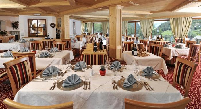 Airporthotel Hotel Digon in St. Ulrich - Grödental