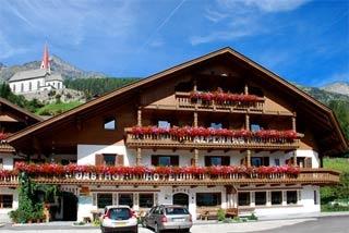 Biker Hotel Berghotel Alpenrast in Sand in Taufers