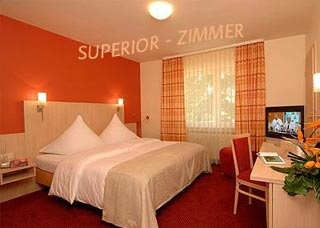 Airporthotel Airport-Hotel am Schwimmbad in Hattersheim