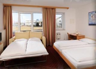 Airporthotel AZIMUT Hotel Erding in Erding / Aufhausen