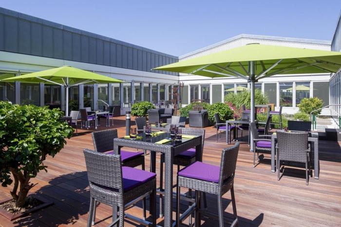 flughafenhotel sheraton d sseldorf airport hotel am. Black Bedroom Furniture Sets. Home Design Ideas