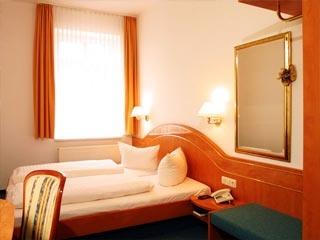 Flughafen Hotel Hotel PRIVAT - das Nichtraucherhotel in Dresden