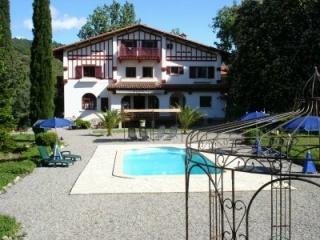 Hotel for Biker Bikers Paradise – villa du parc in Prades in Französische Pyrenäen