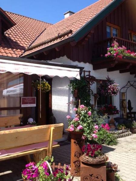 Hotel Gästezimmer Neumeier am Flughafen Flughafen München