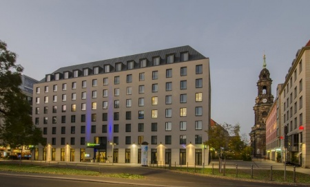 Hotel for Biker Holiday Inn Express Dresden City Centre in Dresden in Elbe - Radweg