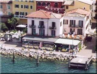 Motorrad Hotel Brenzone & Villa del Lago in Brenzone in Gardasee