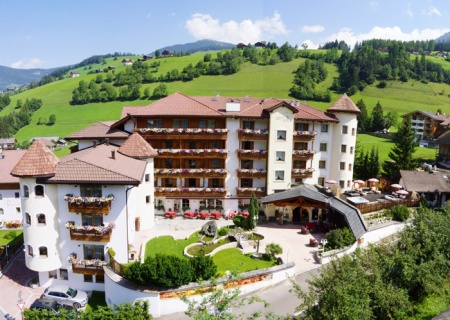 Hotel for Biker Biker-  Wellnesshotel Almhof Call in St. Vigil in Enneberg in Dolomiten