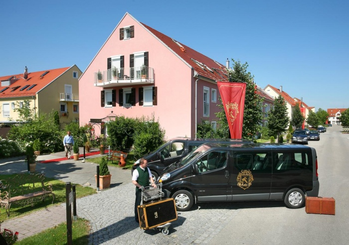Motorrad Airport Hotel Regentpark München in Hallbergmoos in München