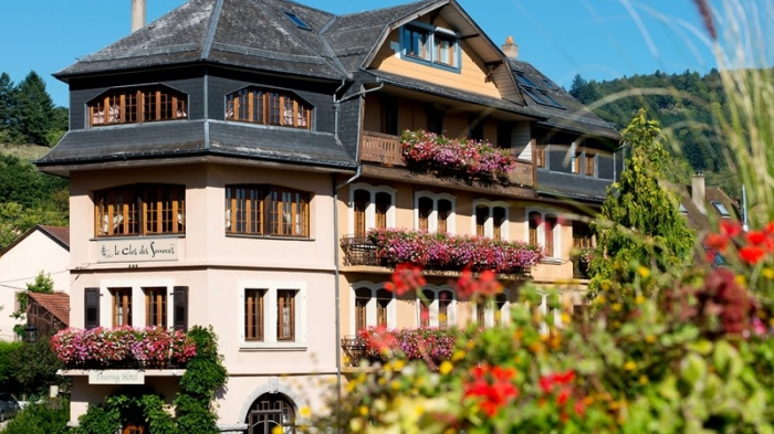 Motorrad Le Clos Des Sources Hotel & Spa in Thannenkirch in Rhein (Rhin)