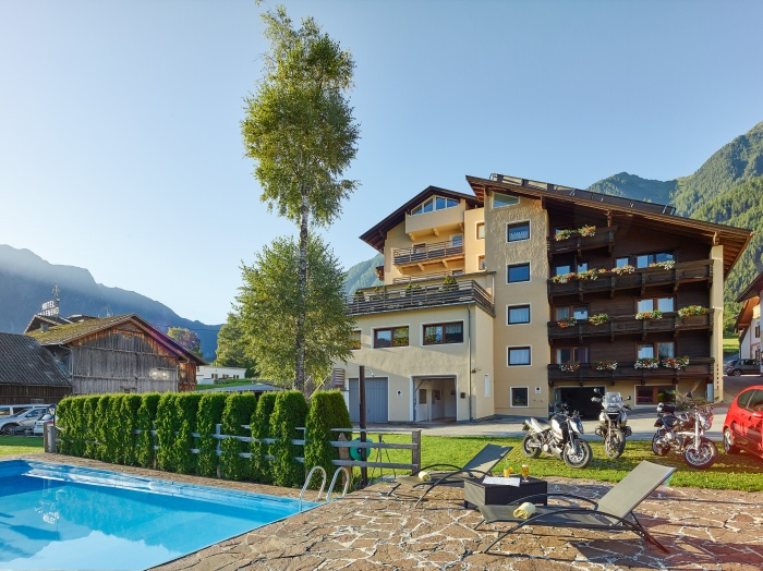 Motorrad Biker Gasthof Hotel Post in Sautens in Ötztal