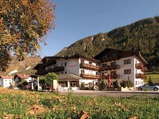 Motorrad Wanderhotel Riederhof**** in Ried im Oberinntal in Tiroler Oberland im Dreiländereck