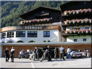 Motorrad Seehüter s Hotel Seerose in Oetz in Ötztal
