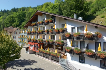 Motorrad Flair Hotel Sonnenhof in Baiersbronn Schönmünzach in Schwarzwald