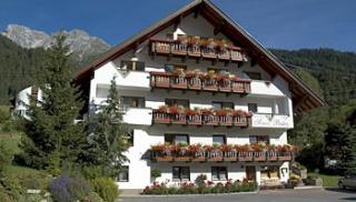 Motorrad Hotel Sonnbichl in St. Anton am Arlberg in Arlberg