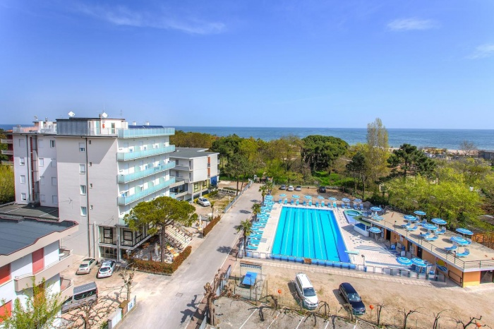 Motorrad Hotel Beau Soleil in Zadina Pineta Cesenatico (Fc) in Nördliche Adriaküste