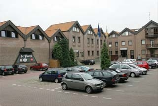 Hotel Sport- und Tagungshotel De Poort am Flughafen Flughafen Weeze
