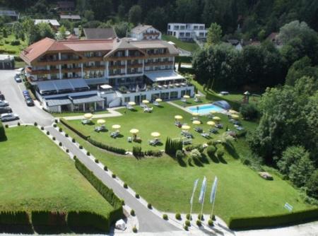 Motorrad Hotel SCHÖNBLICK - Schneider GmbH in Velden am Wörthersee in