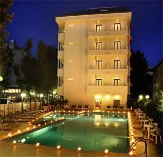 Motorrad Hotel Ines in Cattolica (RN) in Nördliche Adriaküste
