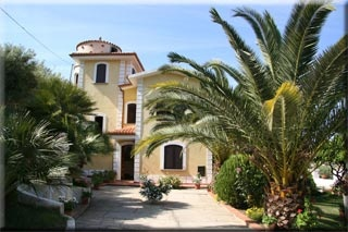Motorrad Hotel La Colombaia in Agropoli in Costa del Cilento