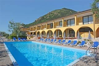 Motorrad Hotel Mercedes in Limone Sul Garda in Gardasee