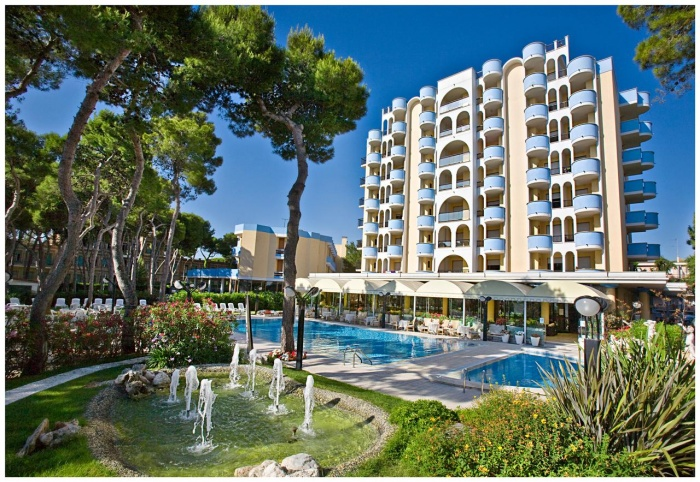 Motorrad Hotel Promenade in Giulianova Lido (TE) in Südliche Adriaküste