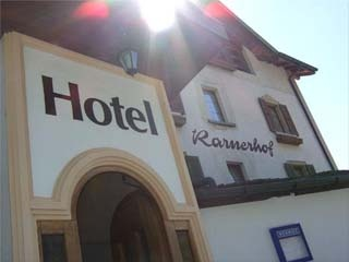 Motorrad Hotel-Restaurant Rarnerhof in Raron in Goms