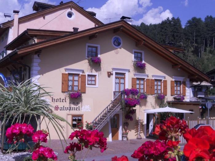 Hotel for Biker Garni Salvanel in Cavalese in Cavalese