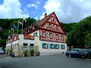 Motorrad Hotel Schwarzer Adler in Streitberg in Fränkische Schweiz
