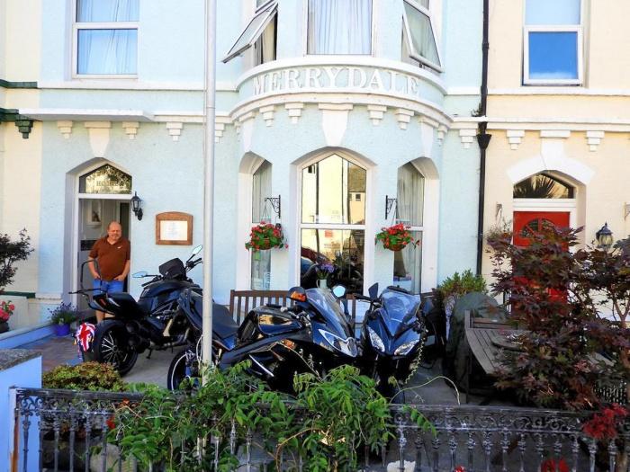 Particolarmente motociclistico Pernottamento all The Merrydale Guest House di Llandudno