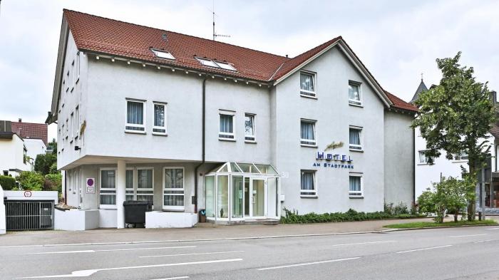 Particolarmente motociclistico Pernottamento all Hotel am Stadtpark di Sindelfingen
