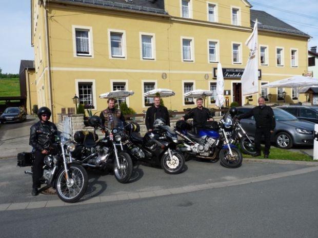 Particolarmente motociclistico Pernottamento all Landhotel Deutsches Haus di Gohrisch/ OT Cunnersdorf