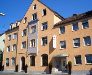 Hotel for Biker Hotel Pension Augsburg Goldener Falke in Augsburg in Schwaben