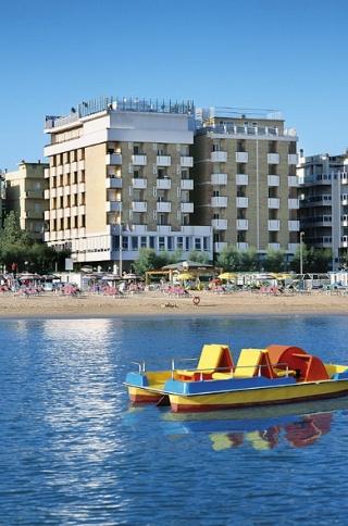 Motorrad Hotel Napoleon in Gabicce Mare in Adriaküste