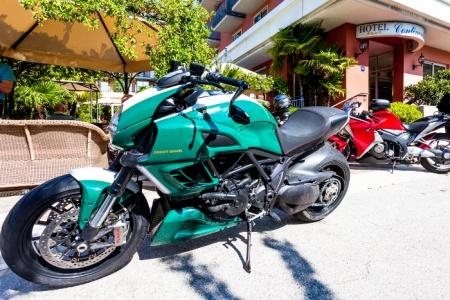 Particolarmente motociclistico Pernottamento all Hotel Continental  di Nago-Torbole