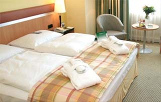 Messe Holiday Inn Berlin International Airport nur 25km zur ICC Messezentrum Berlin in Berlin