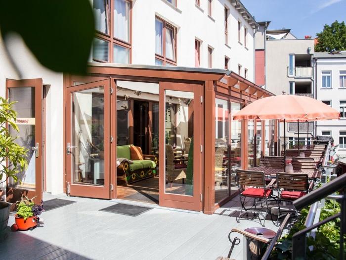 Motorrad Backpacker Hotel GreifenNest in Rostock in