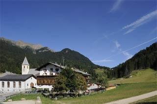 Hotel for Biker Gasthof zum Hirschen in Unsere liebe Frau im Walde in Gampenpass