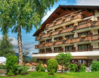 Motorrad Sunstar Hotel Klosters in Klosters - Dorf in