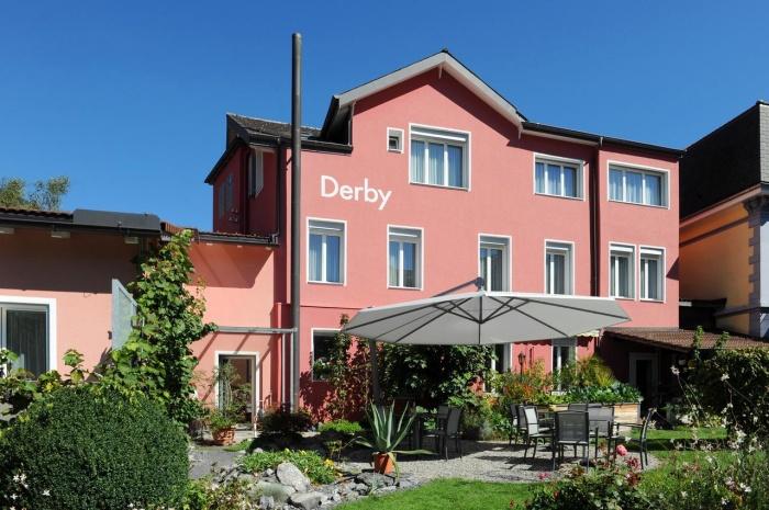 Motorrad Hotel Derby in Interlaken in Berner Oberland
