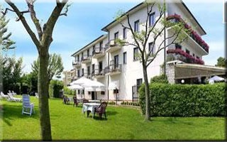 Hotel for Biker Hotel Fornaci in Peschiera del garda in Gardasee
